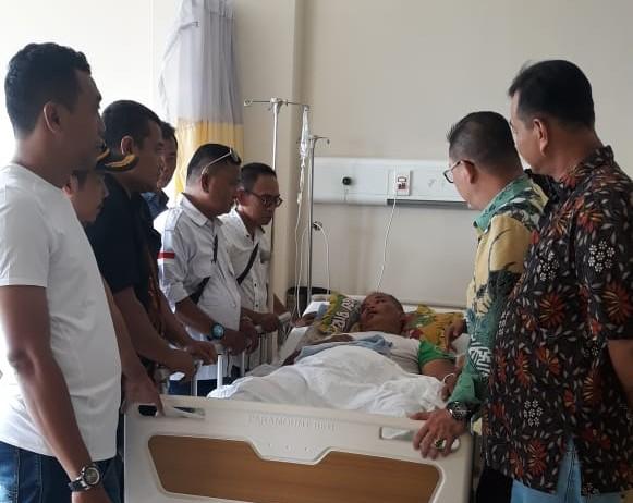 Ketua RW.06 Kelurahan Angke Bersama Sekkel, LMK, FKDM dan Para Ketua RT 'Besuk Ketua RT Yang Sakit