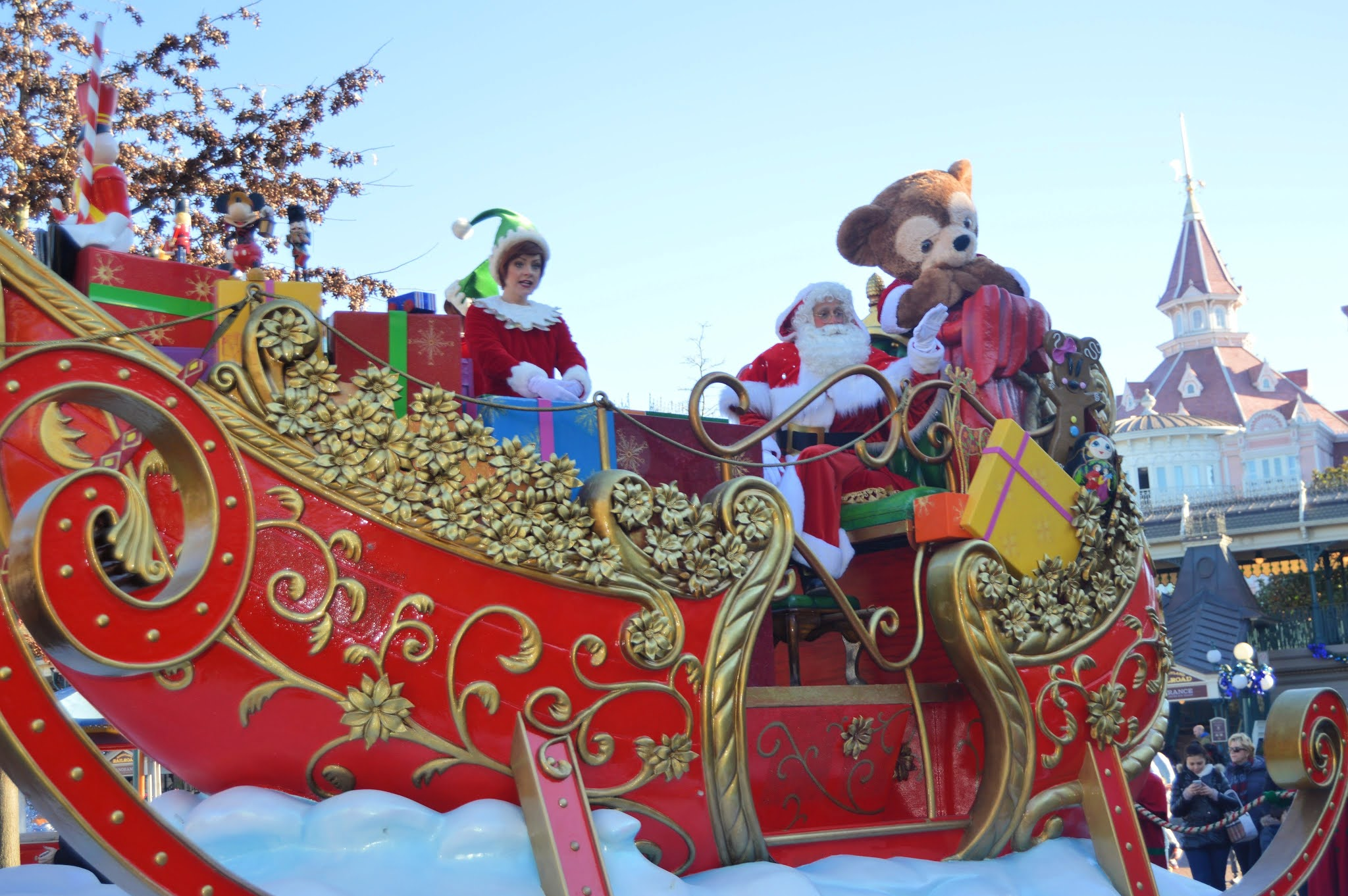 disneyland paris christmas parade