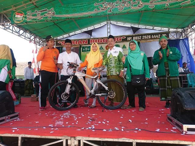 Sepeda Santai, Meriahkan Hari Santri Nasional MWC NU Wedarijaksa