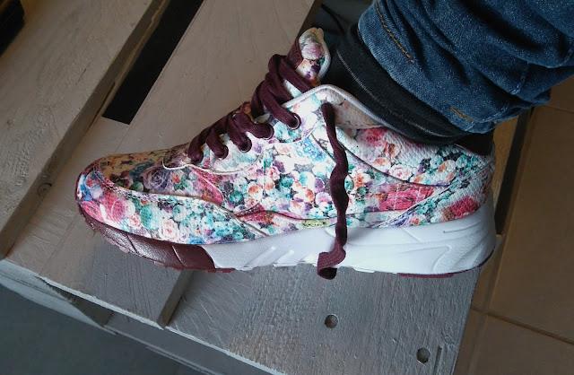 sacha, basket, fleuri, chaussures, bullelodie