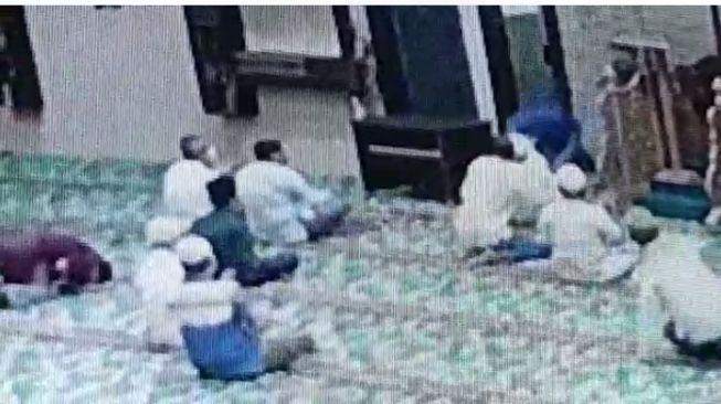 Detik-detik Upaya Penusukan pada Imam Masjid, Pelaku Gangguan Jiwa