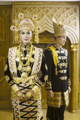 pakaian adat Nanggroe Aceh Darussalam