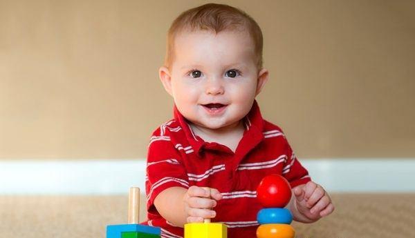 Những cách chơi với bé 7 tháng tuổi