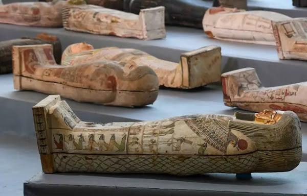 SCI-TECH - Egypte : Une centaine de sarcophages intacts révélés, et les fouilles continuent
