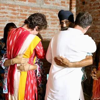 rahul-priyanka-meet-dessesed-family-lakhimpur