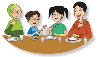 Udin dan keluarganya makan malam bersama www.simplenews.me