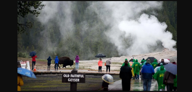 Yellowstone National park provides more than 7K jobs in 2019.