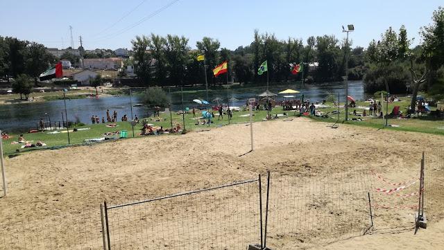 Campo Volei de praia e Zona fluvial Palmeira