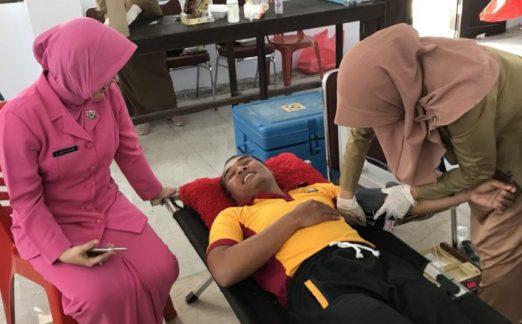 Sambut HUT Bhayangkara Ke 72, Personil Polres Kep. Selayar, Donor Darah