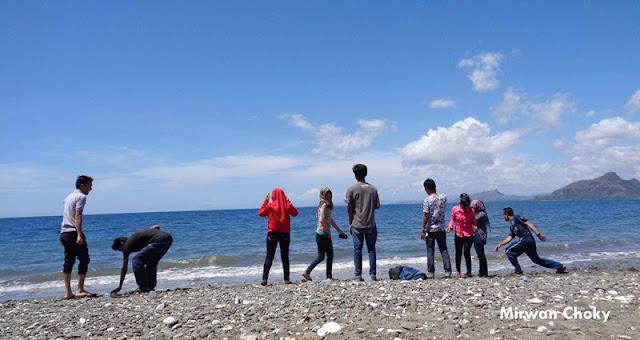 Pantai Wini NTT