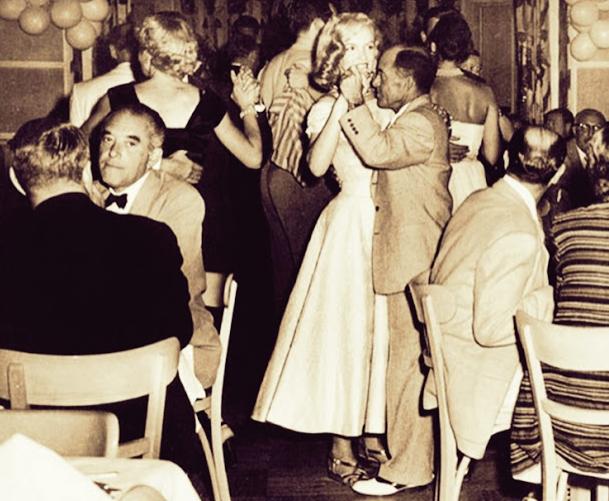 Marilyn Monroe con JohnnyKyde (su primer agente)