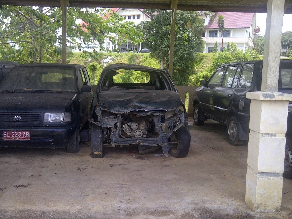 Puluhan Mobil Dinas di Abdya Dibiarkan Terlantar