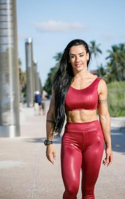 Sue Lasmar o corpo mais perfeito dos EUA
