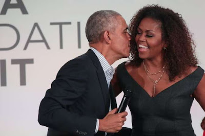 Barack Obama é o primeiro convidado do 'The Michelle Obama Podcast'