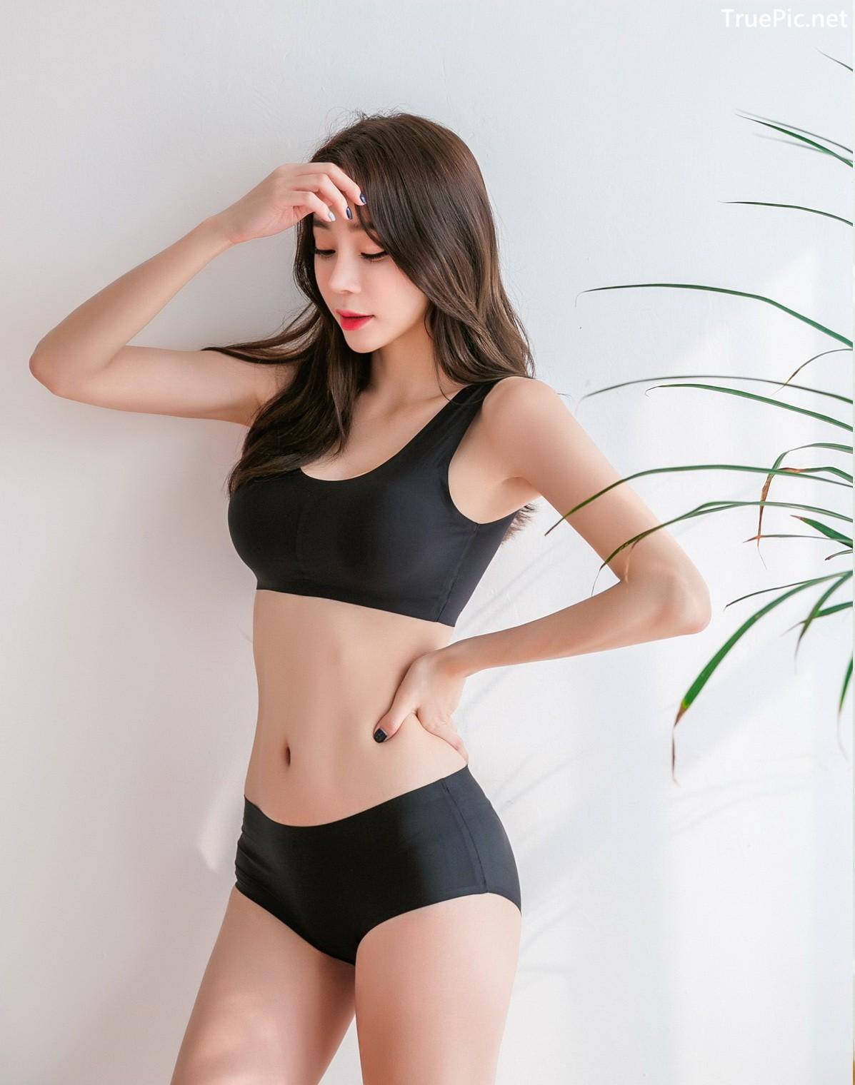 Image Korean Fashion Model - Hyun Kyung - Black Tube Lingerie - TruePic.net - Picture-2