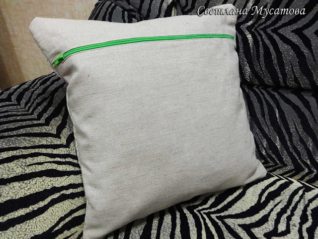 льняная диванная подушка на заказ