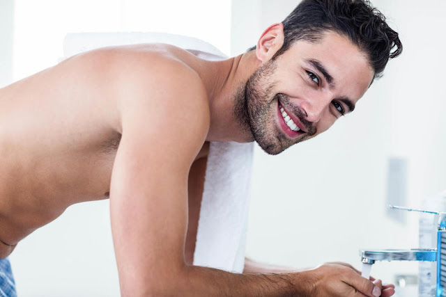 5-Tips-Menggunakan-Sabun-Wajah-Pria-yang-Tepat