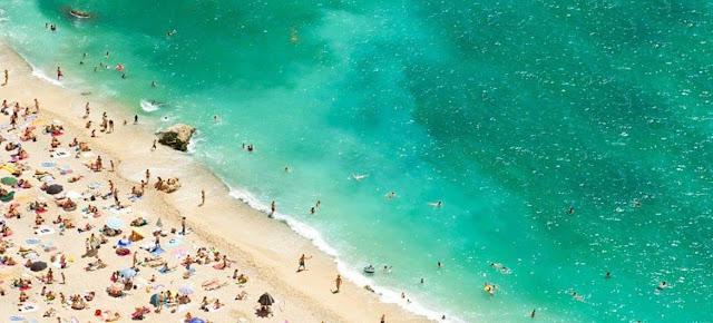 En 2020 el flijo de turistas internacionales se redujo un 70%.OMT