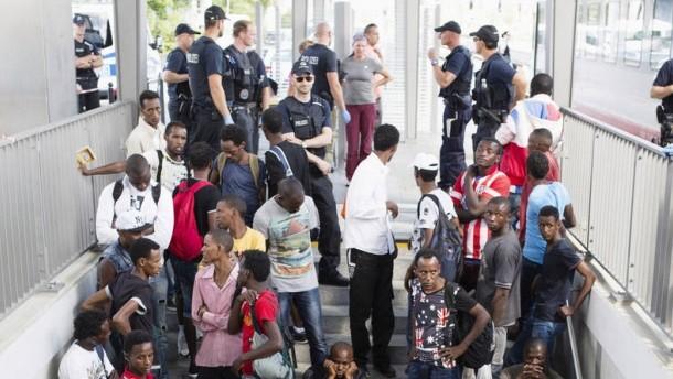 Zahl der leistungsbeziehenden Asylsuchenden um 169 Prozent gestiegen
