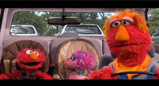 Finally, Elmo, Abby Cadabby and Louie arrive at the zoo. Sesame Street Elmo's Travel Songs and Games