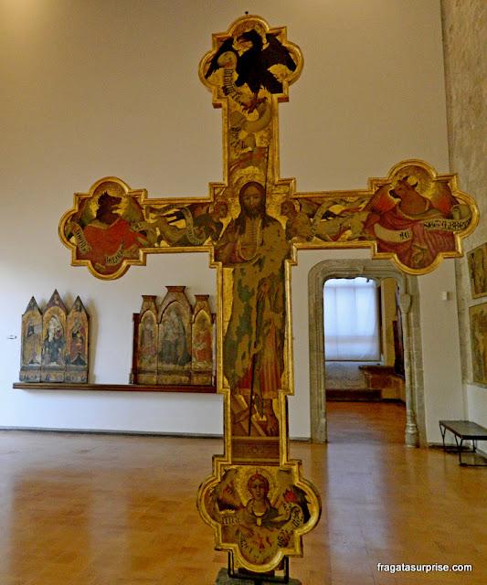 Coleção de crucifixos medievais do Palácio Abatellis de Palermo