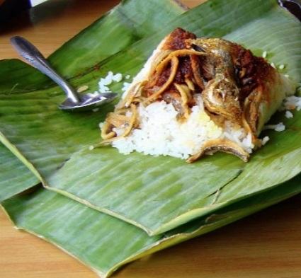 Coconut Fish and Rice Banana Leaf Recipe