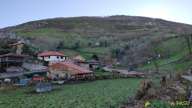Camino a la Fuente Vieja en Yernes