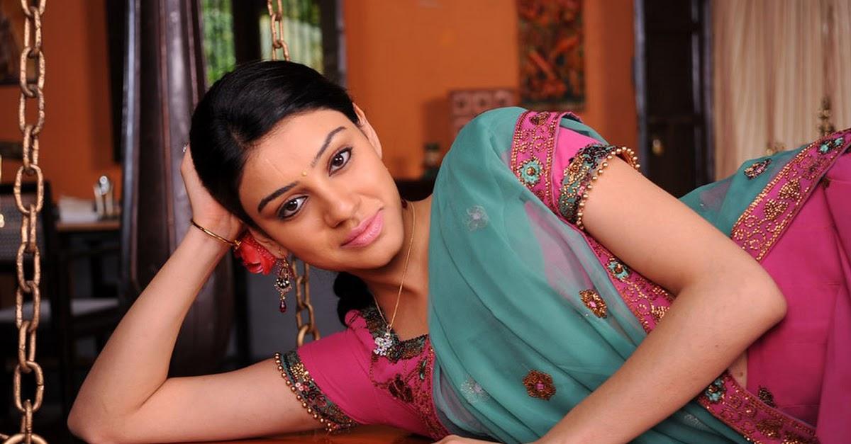 Actress Shobana Stills Photo Gallery