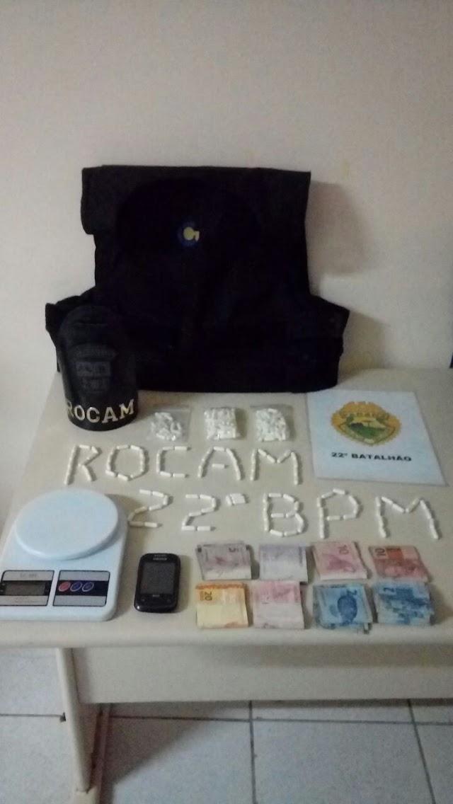 Polícia Militar prende homem com drogas e um colete a prova de balada no Guarani