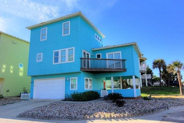 Port Aransas Texas Vacation rental in Sand Point subdivision with views, boardwalk and pool sleeps 10
