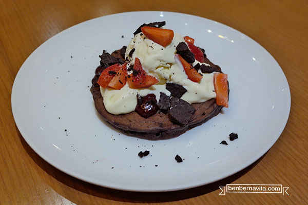 riccota and raspberry with chocolate pancake