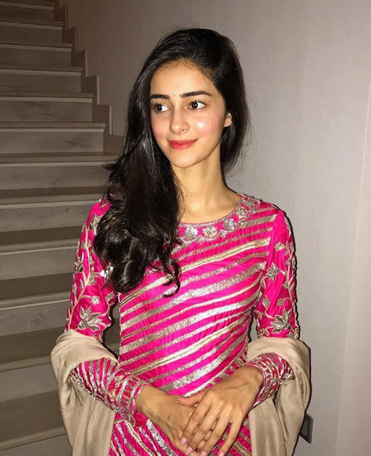 Ananya Pandey  IMAGES, GIF, ANIMATED GIF, WALLPAPER, STICKER FOR WHATSAPP & FACEBOOK