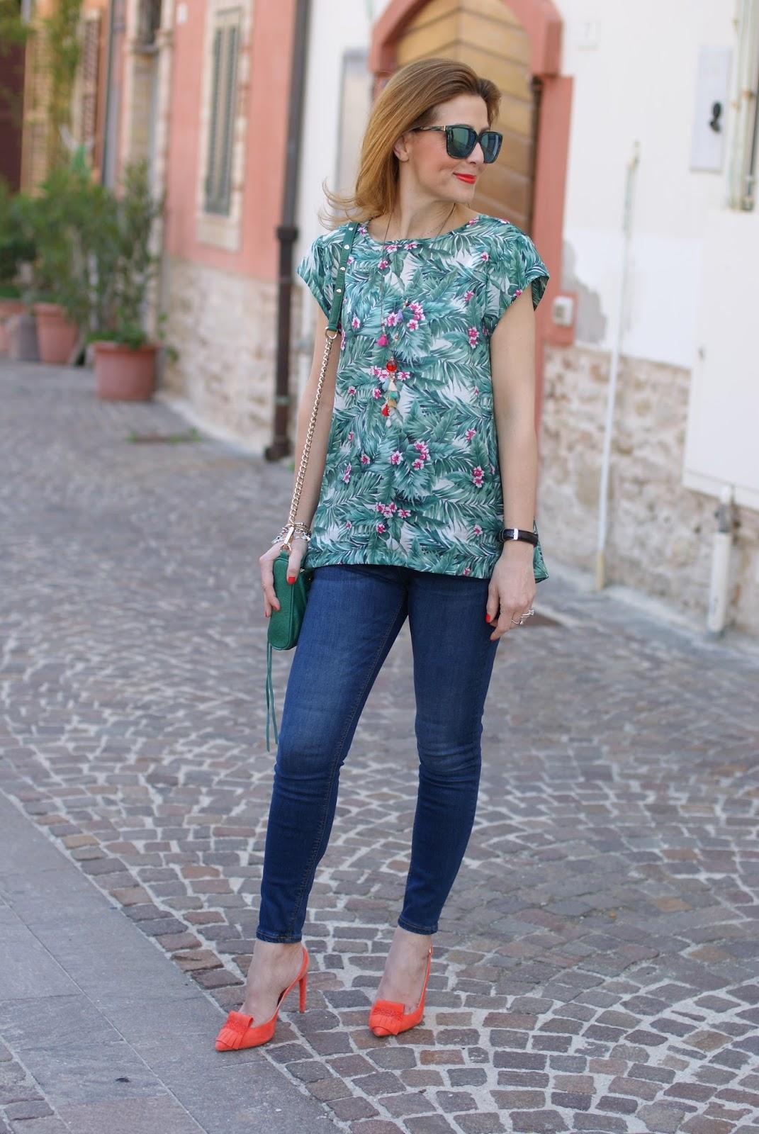 tropical print Mismash Askani t-shirt on Fashion and Cookies fashion blog, fashion blogger style