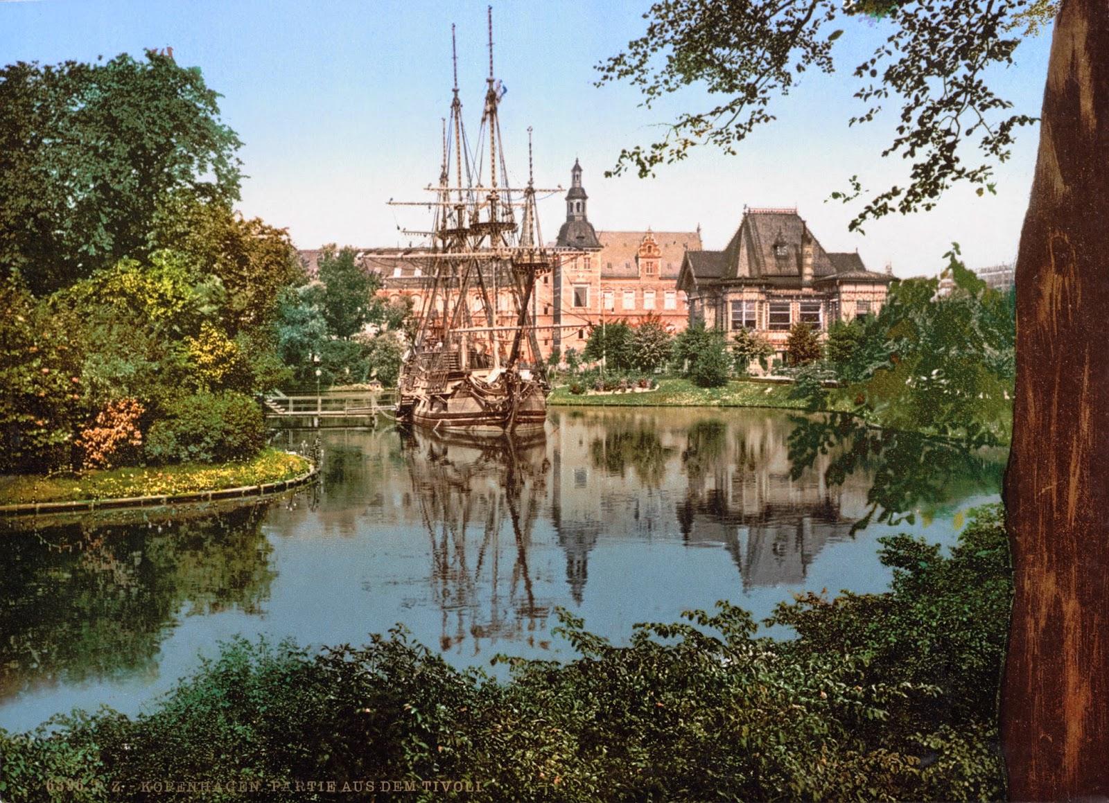 Tivoli Gardens, Copenhagen - Travel Guide | Tobias Kappel