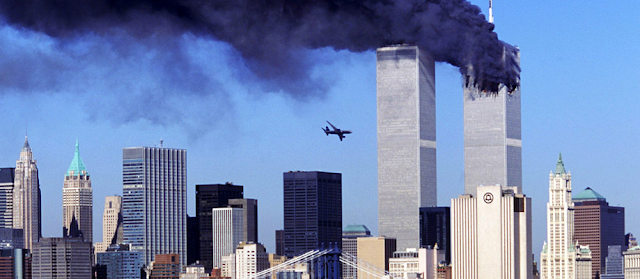 Resultado de imagem para m 11 de setembro se 2011 eram derrubadas as torres gêmeas em Nova Iorque