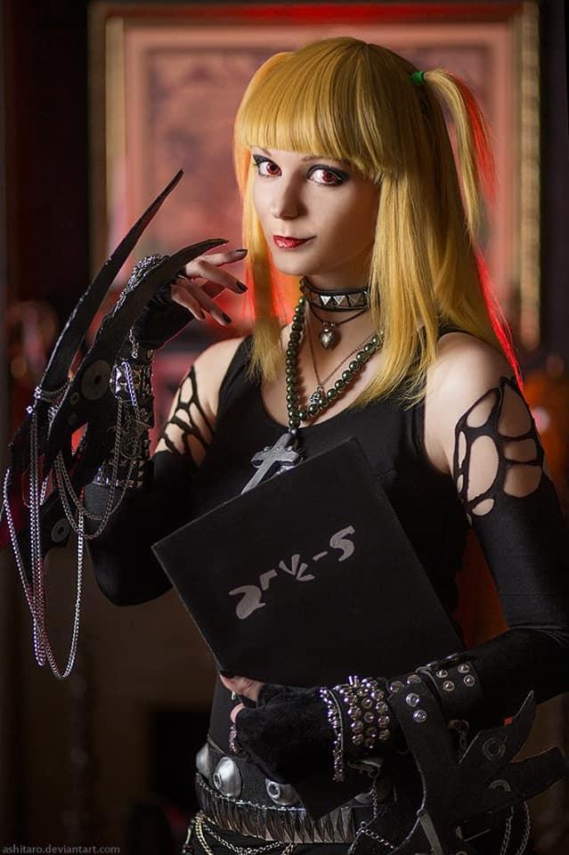 AGflower con su cosplay de Misa