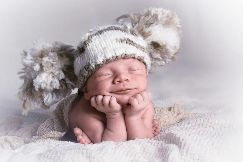 popok bayi baru lahir