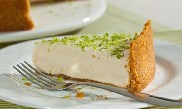 O Blog Bolos de Liquidificador traz uma torta de limão diferente e muito fácil.