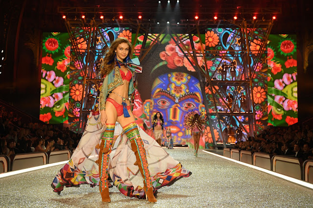 Natalie craig, natalie in the city, chicago fashion blogger, why i am not watching the victoria's secret fashion show, plus size, victoria's secret, gigi hadid, paris, victoria's secret fashion show 2016, how to watch, Dimitrios Kambouris/Getty Images