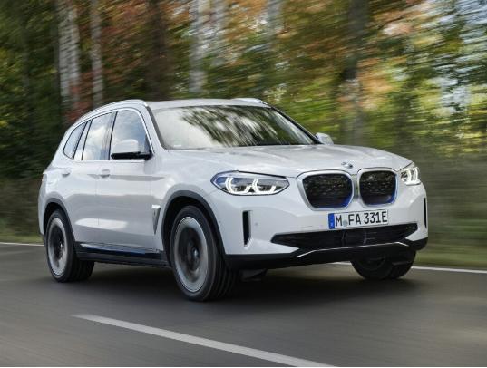 سيارة BMW iX3 SUV اصدار 2021