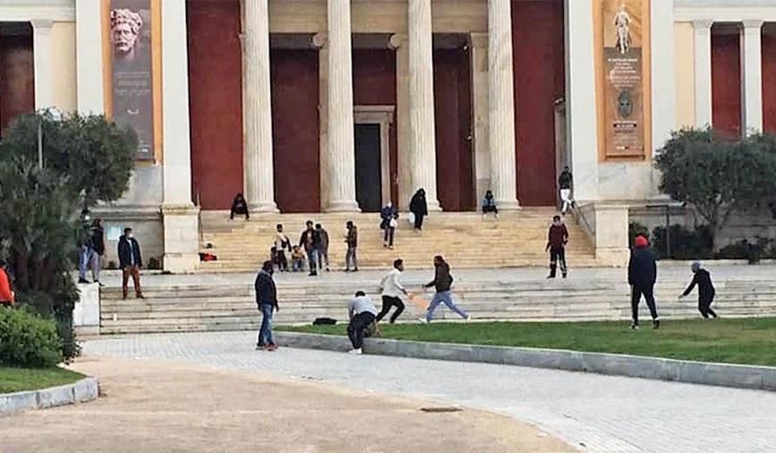 Ο Ελληνισμός σβήνει στην κοιτίδα του
