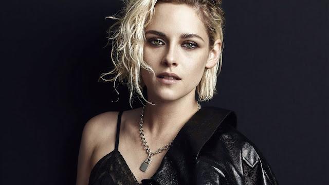 Kristen Stewart beauty in the black
