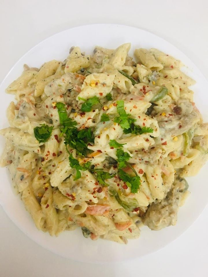 Chicken white sauce pasta