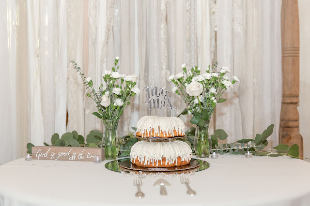 Shenandoah Mill Gilbert, AZ Wedding Nothing Bundt Cake by Micah Carling Photography