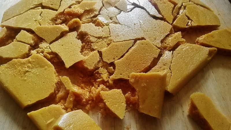 Homemade honeycomb for creme brulee