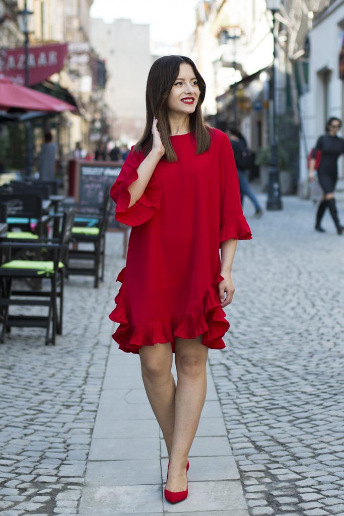 cum sa porti rochia rosie