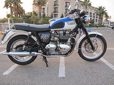 Tapizado asiento de moto Triumph Bonneville