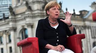 Μέρκελ: Να φύγουν από την Γερμανία όσοι δεν έχουν άδεια παραμονής