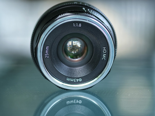 Pergear 25mm f1.8 lens