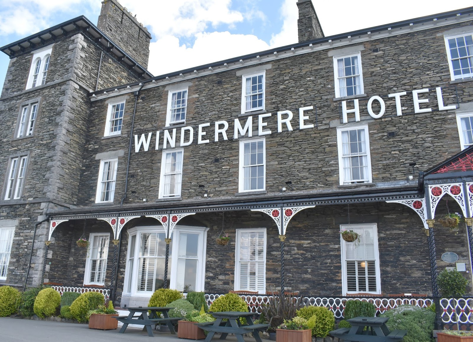 Affordable Break Lake District - Sparkling Sundays The Windermere Hotel with ukbreakaways
